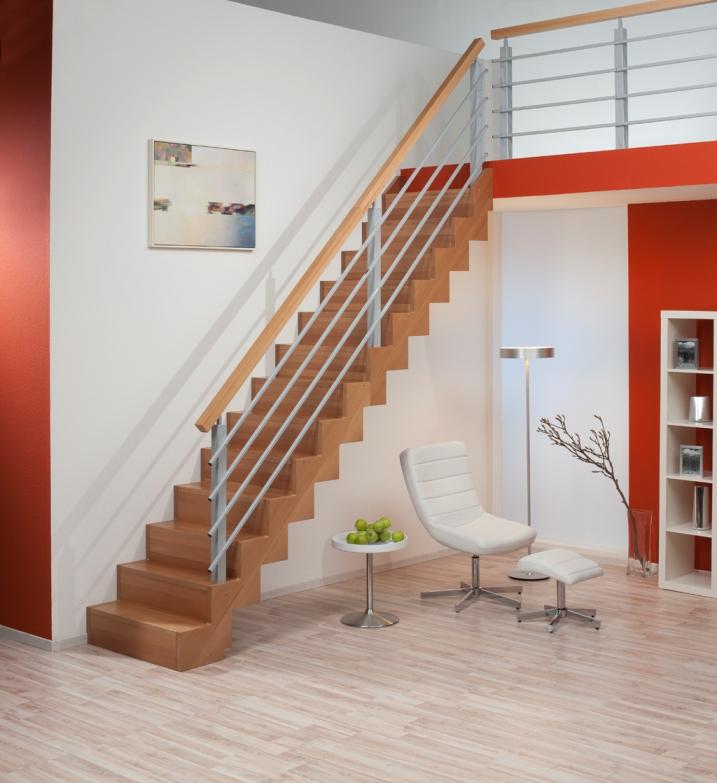 Lakování celého schodiště GENF - Buk